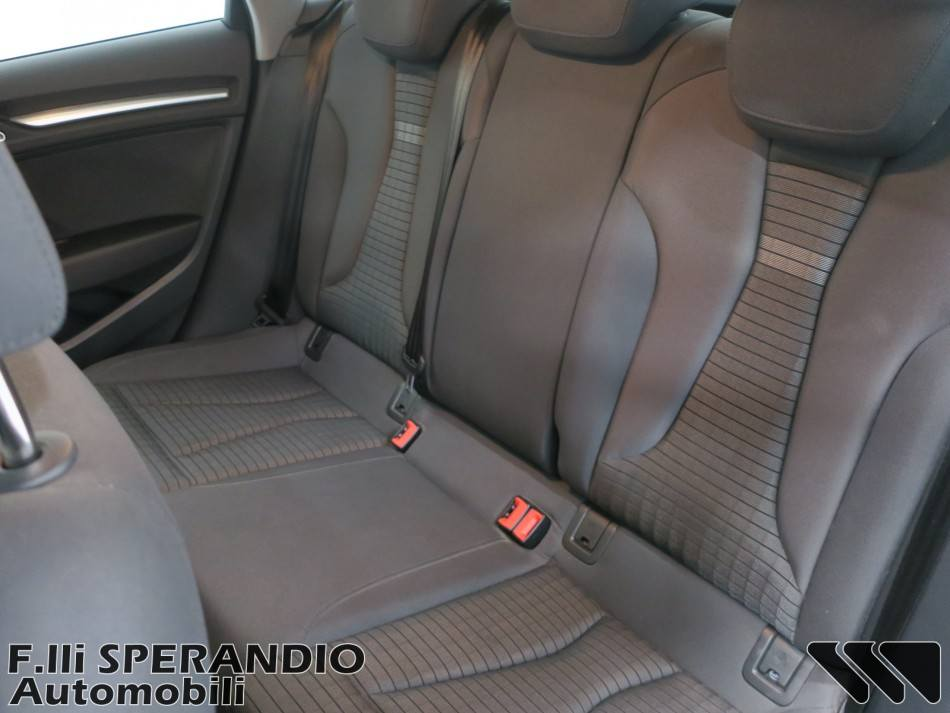 Audi A3 Sportback 1.6TDI 116CV Sport-Array