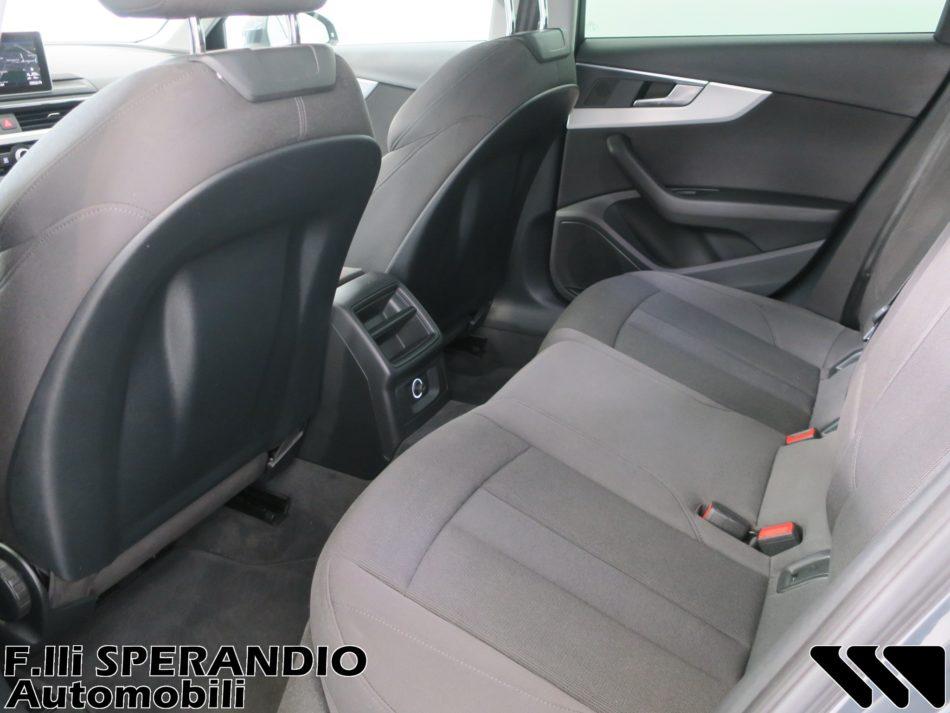 AUDI A4 AVANT 2.0TDI BUSINESS SPORT 150CV S-TRONIC-Array
