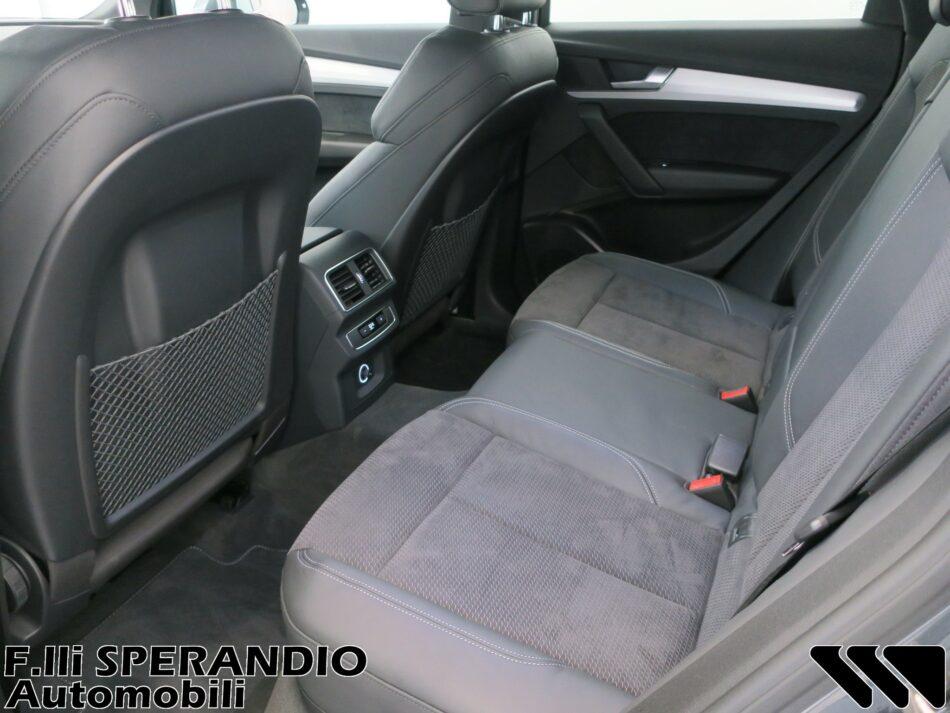 AUDI Q5 40TDI QUATTRO BUSINESS SPORT S-TRONIC 190CV-Array
