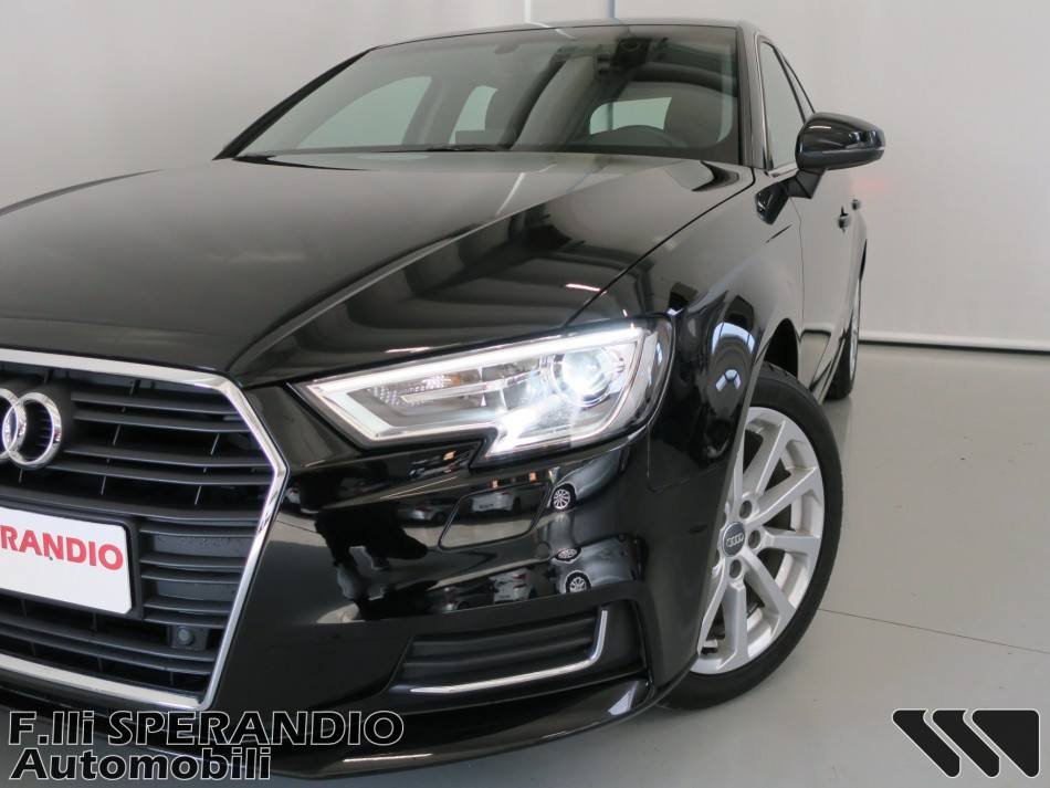 AUDI A3 SPORTBACK 1.6TDI DESIGN 115CV-Array