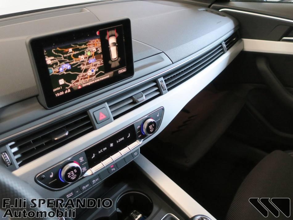 AUDI A4 Avant 2.0TDI 150CV Business Sport-Array