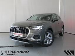 AUDI Q3 Business Advanced 40TFSI Quattro Stronic 01