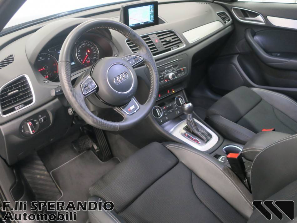 AUDI Q3 2.0TDI 150CV quattro S-tronic Sport-Array