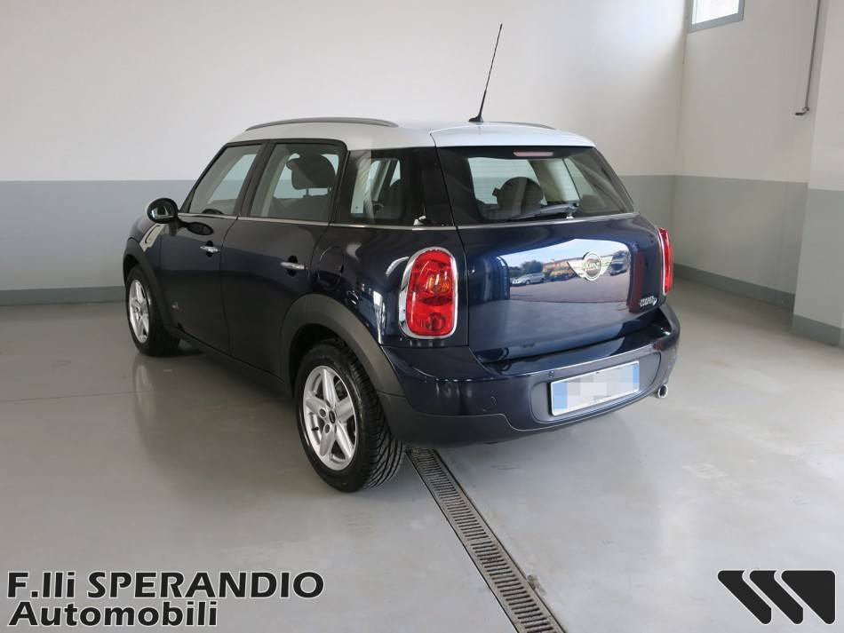 MINI Mini 1.6 Cooper D Countryman ALL4-Array